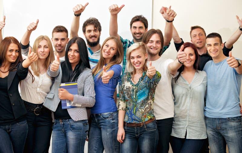 Grupo de estudiantes fotos de archivo