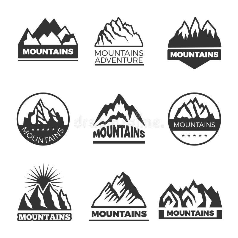 Grupo de etiquetas com ilustrações diferentes das montanhas Moldes para o projeto dos logotipos ilustração do vetor