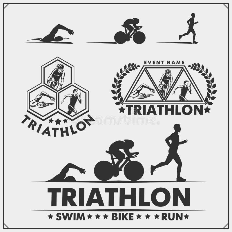 Grupo de etiquetas do triathlon, de crachás dos emblemas e de elementos do projeto Natação, ciclismo e corredor ilustração stock
