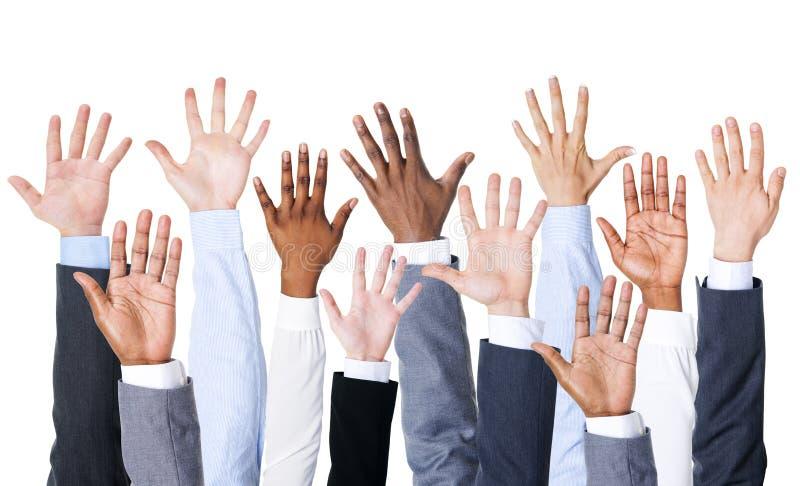Grupo de executivos das mãos acima fotos de stock royalty free