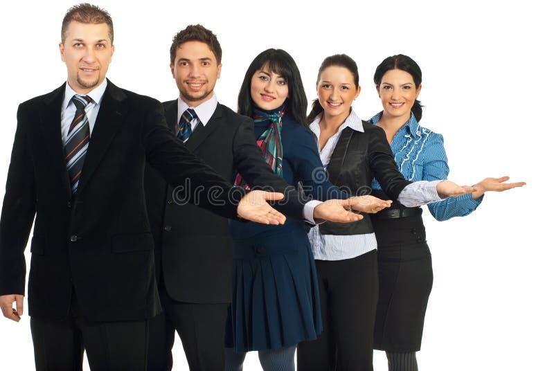 Grupo de executivos do acolhimento fotos de stock royalty free