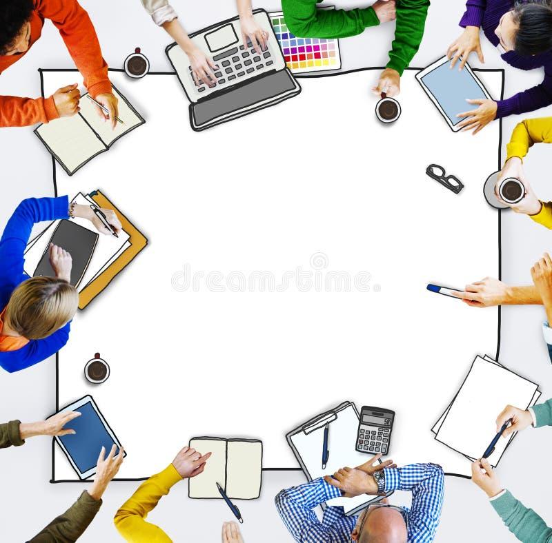 Grupo de executivos que brainstorming ilustração royalty free