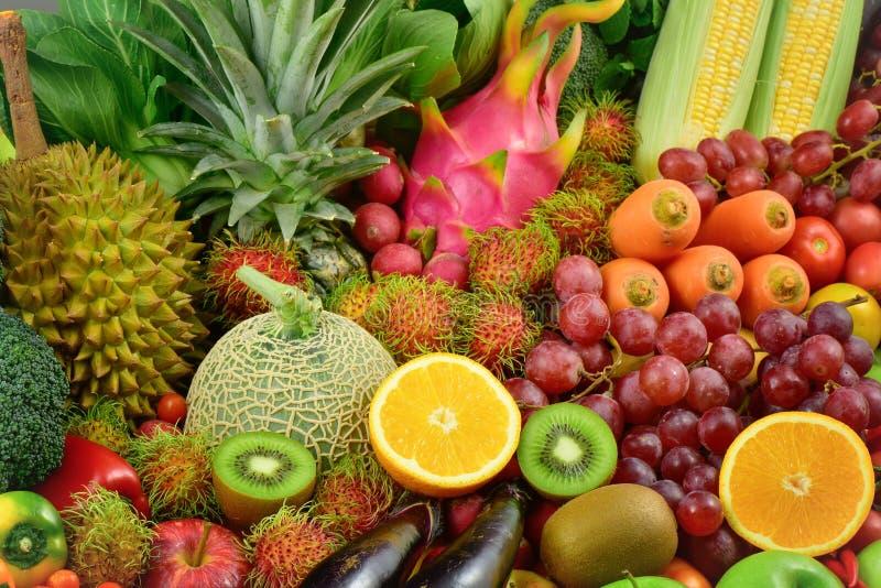 Grupo de frutas y verduras frescas imagen de archivo
