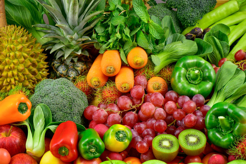 Grupo de frutas y verduras frescas foto de archivo libre de regalías
