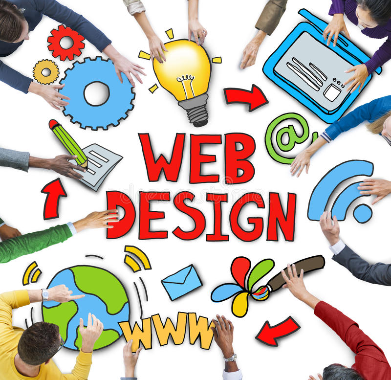 Grupo de gente diversa que discute sobre diseño web imagen de archivo