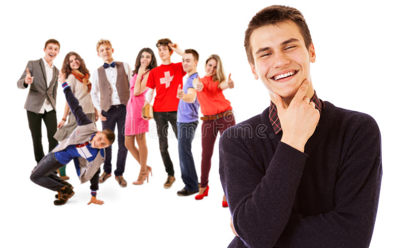 Grupo de gente joven sonriente atractiva foto de archivo