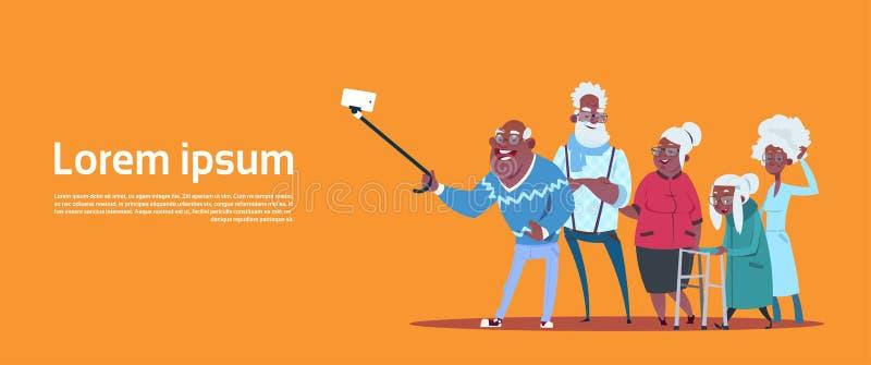 Grupo de gente mayor que toma la foto de Selfie con el abuelo y la abuela afroamericanos modernos del palillo del uno mismo stock de ilustración