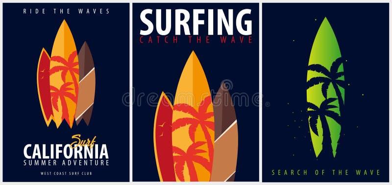 Grupo de gráfico surfando com palmas e surfingboards Projeto e cópia do t-shirt ilustração stock
