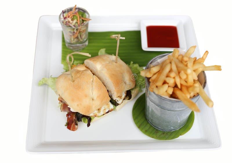 Grupo de Hamburger com a microplaqueta isolada imagens de stock royalty free