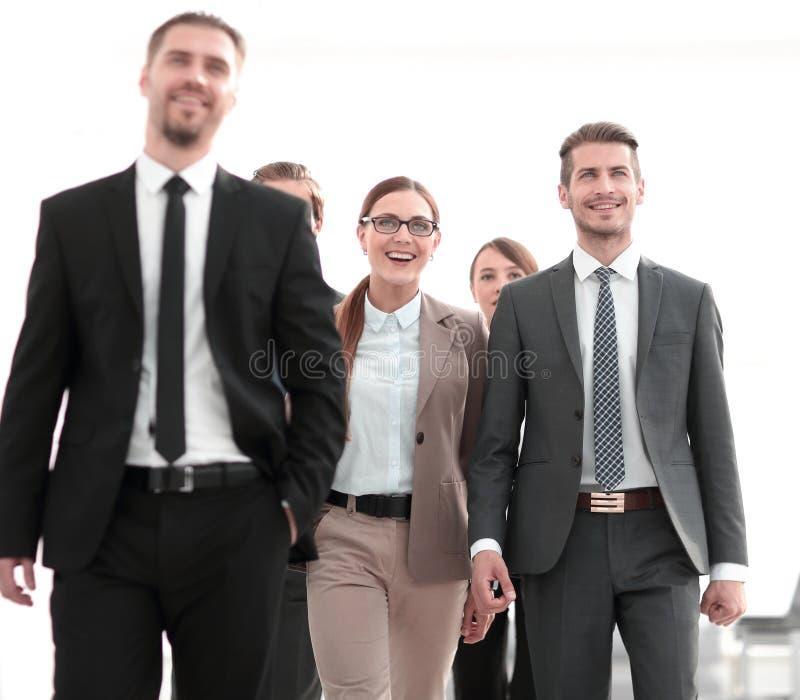 Grupo de hombres de negocios acertados imagen de archivo