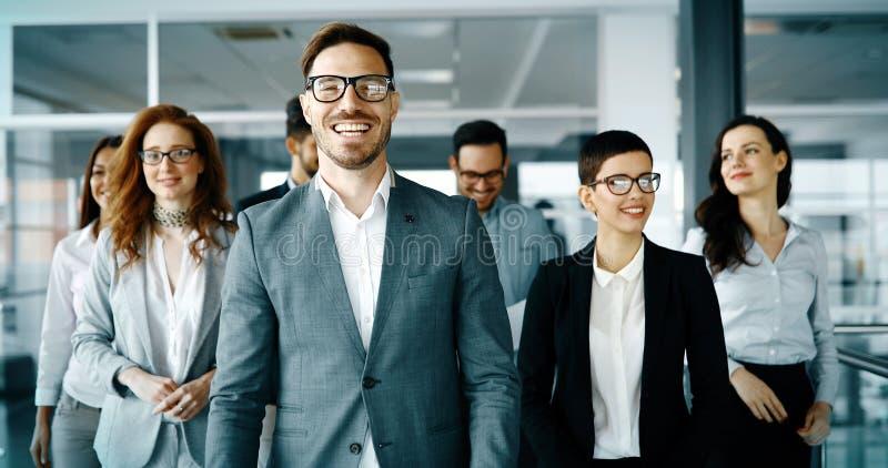 Grupo de hombres de negocios felices fotos de archivo libres de regalías