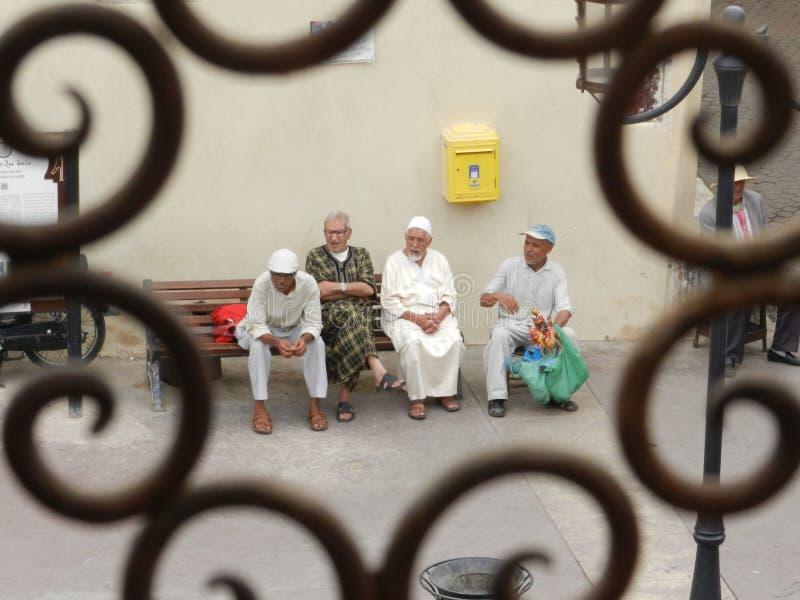 Grupo de homens marroquinos imagens de stock