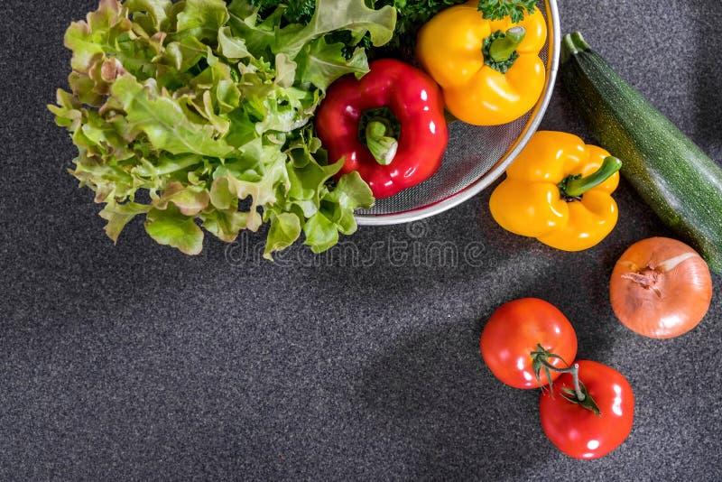 Grupo de ingredientes deliciosos da mistura fresca dos vegetais saudáveis para o co imagem de stock royalty free