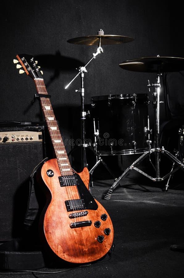 Grupo de instrumentos musicais foto de stock royalty free