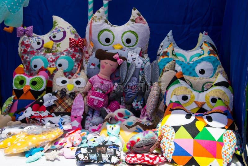 Grupo de juguetes suaves hechos a mano de la tela imagen de archivo libre de regalías