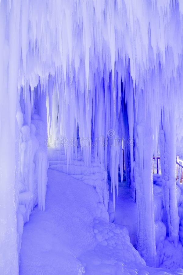 Grupo de la cueva de hielo de Yunqiushan fotos de archivo