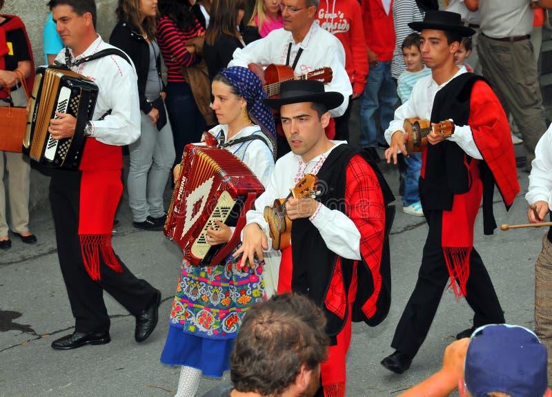 Grupo de la danza del portugués fotos de archivo libres de regalías