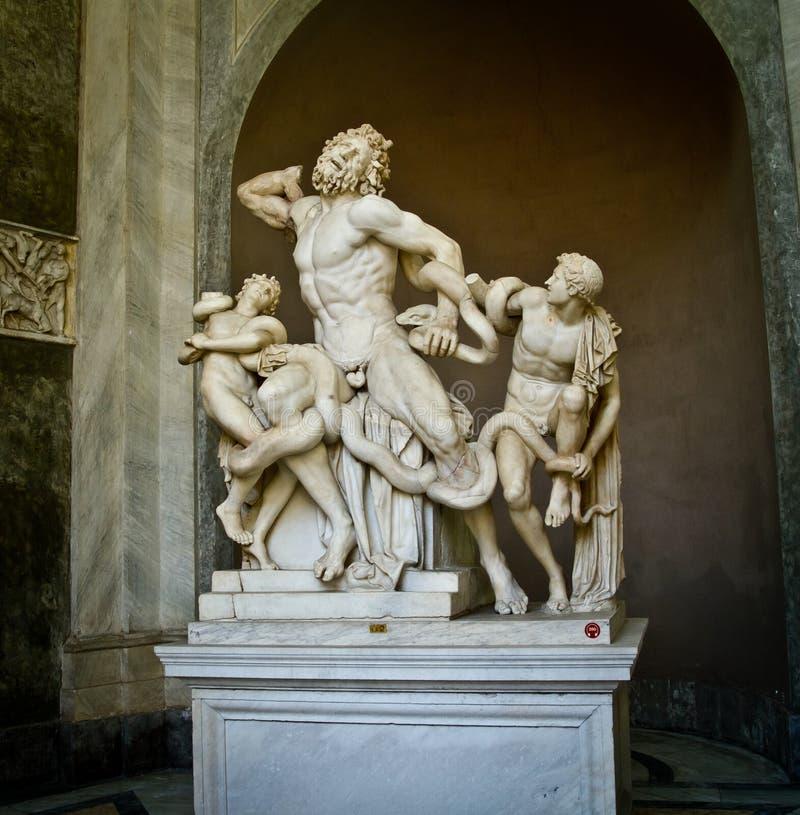 Grupo de Laocoon en el museo de Vatican fotos de archivo