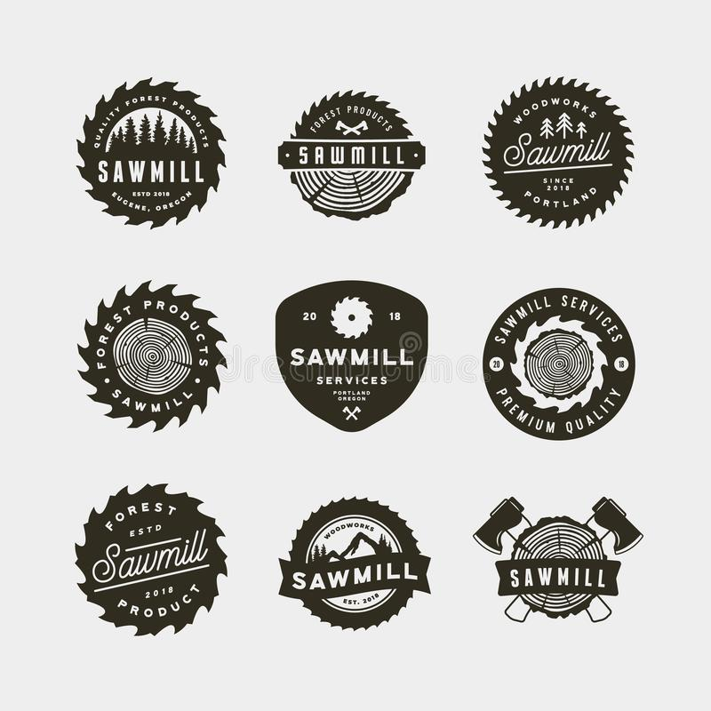 Grupo de logotipos da serração emblemas denominados retros da carpintaria Ilustração do vetor ilustração do vetor