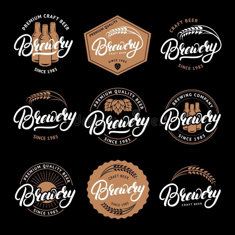 Grupo de mão da cervejaria escrito rotulando o logotipo, etiqueta, crachá, emblema para a casa da cerveja, barra, empresa de fabr ilustração royalty free