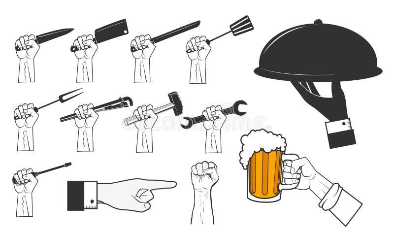 Grupo de mãos humanas com ferramentas diferentes Mão com caneca de cerveja ilustração stock