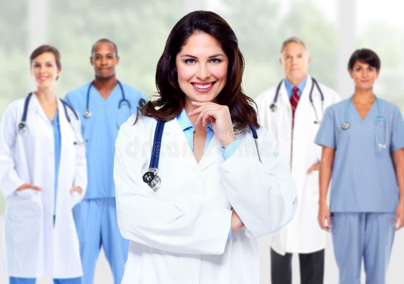 Grupo de médicos de hospital imagenes de archivo