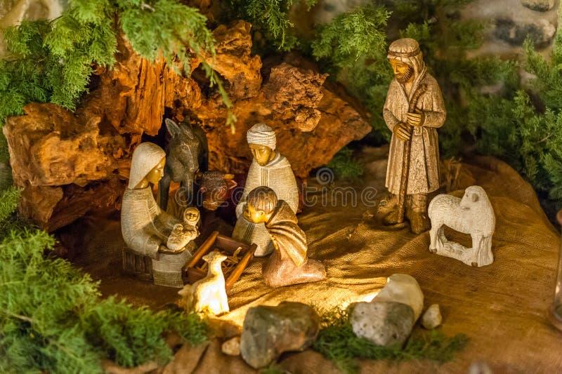 Grupo de madeira da cena da natividade imagem de stock royalty free