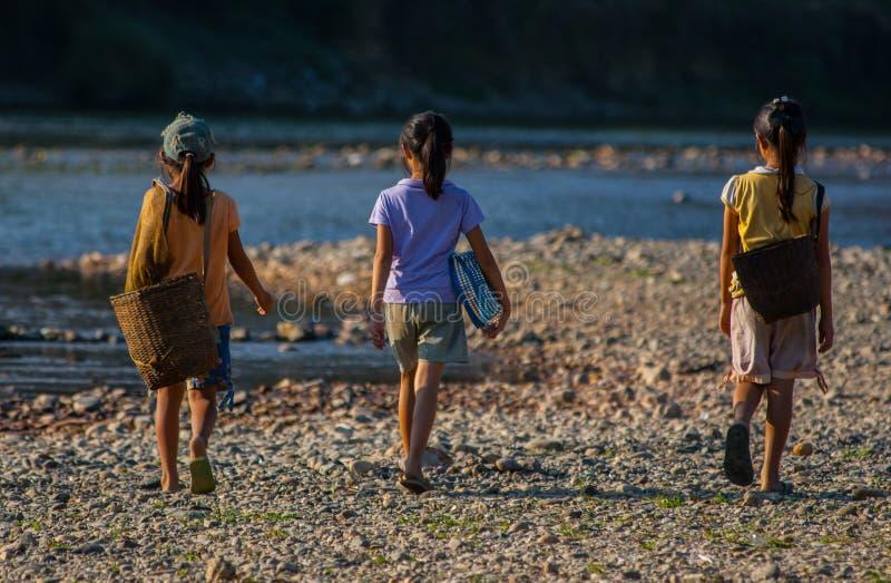 Grupo de meninas laotian foto de stock