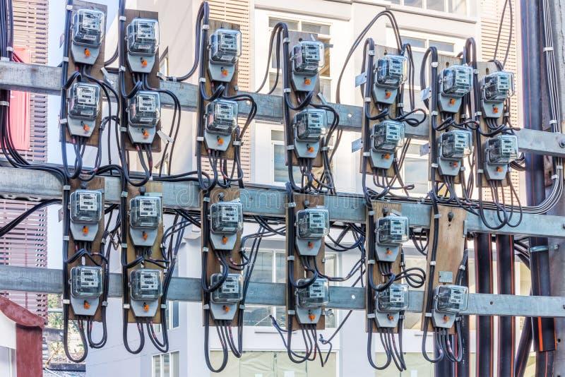 Grupo de metros inductivos al aire libre del kilovatio-hora la monofásico fotografía de archivo
