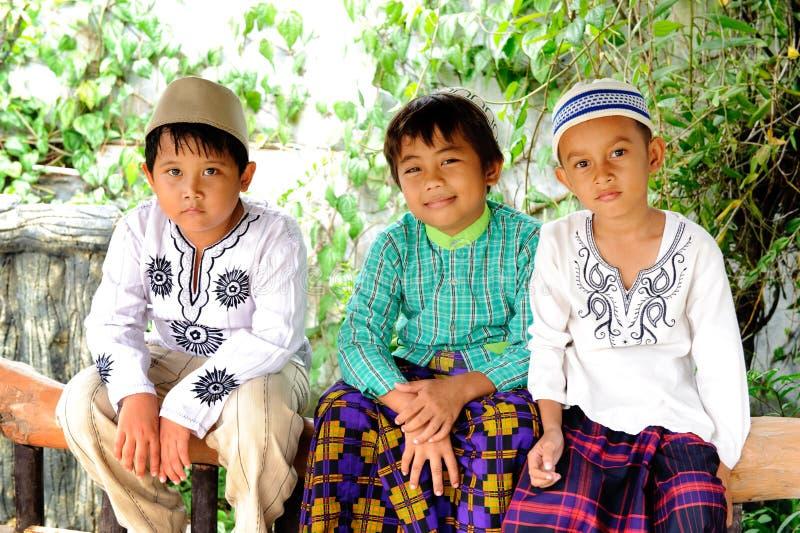 Grupo de miúdos muçulmanos foto de stock royalty free