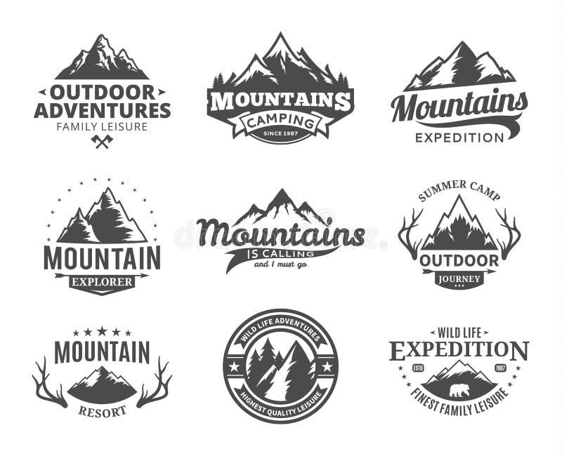 Grupo de montanha do vetor e de logotipo exterior das aventuras ilustração stock