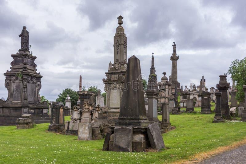 Grupo de monumentos memoráveis em Glasgow Necropolis, Escócia Reino Unido imagens de stock