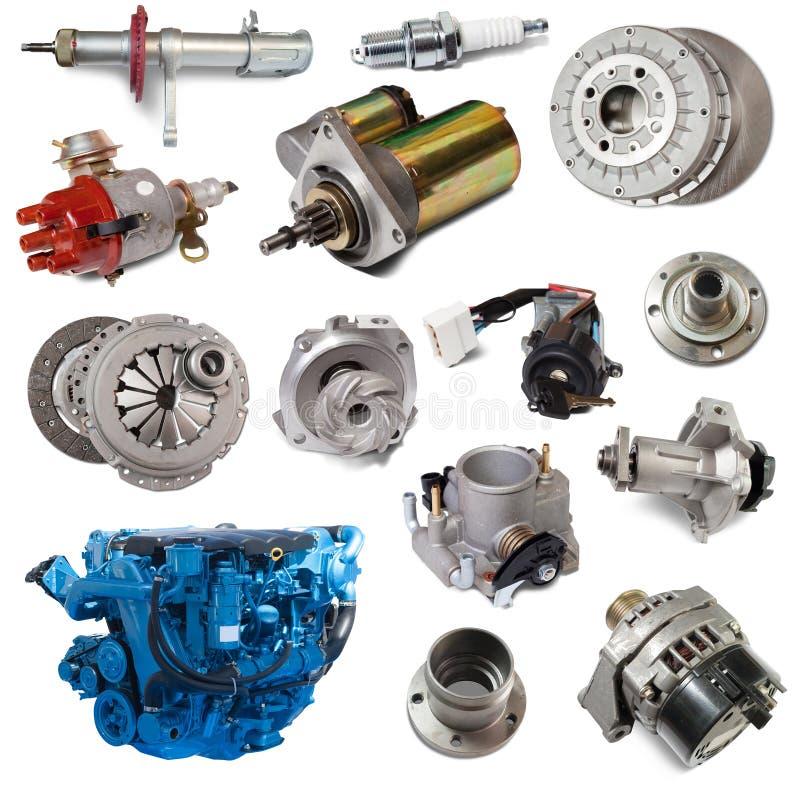 Grupo de motor e de peças automotivos Isolado sobre o branco fotos de stock