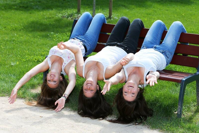 Grupo de muchacha del adolescente fotos de archivo libres de regalías