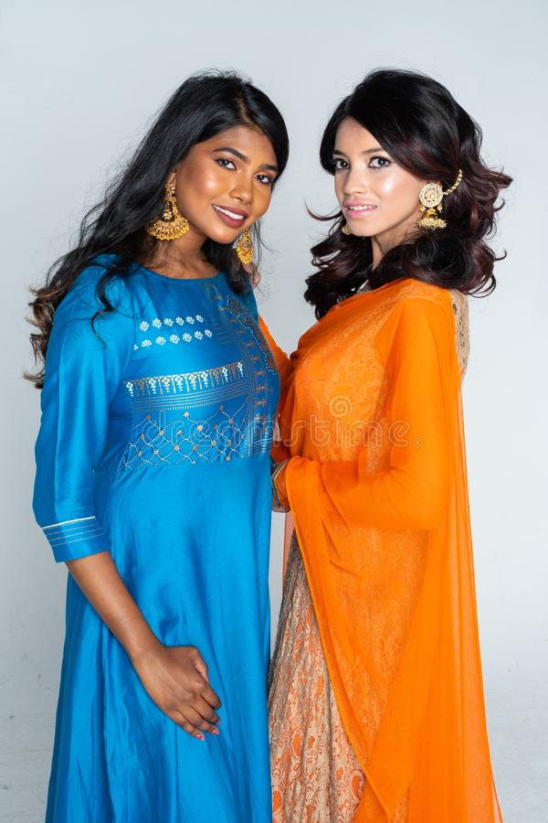 Grupo de mulheres indianas imagens de stock royalty free
