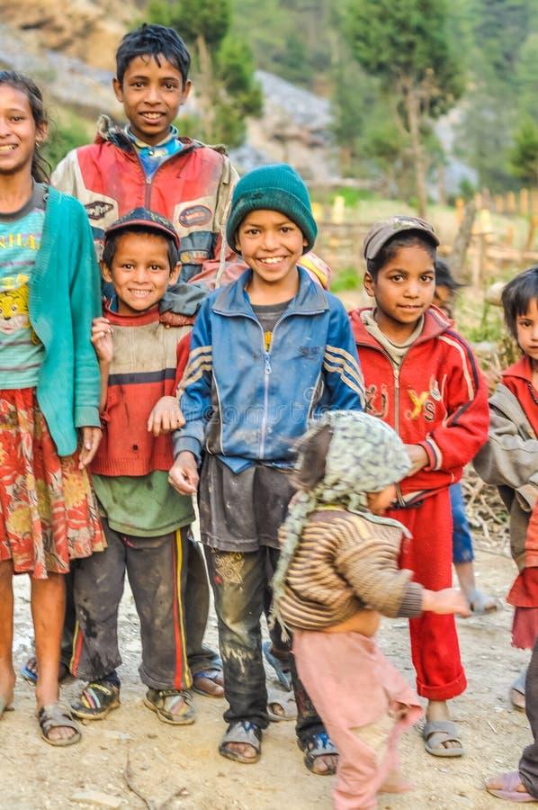 Grupo de niños en Nepal imagen de archivo