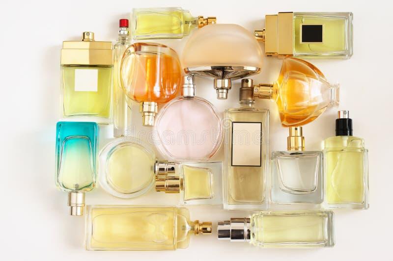 Grupo de perfumes da mulher imagem de stock royalty free