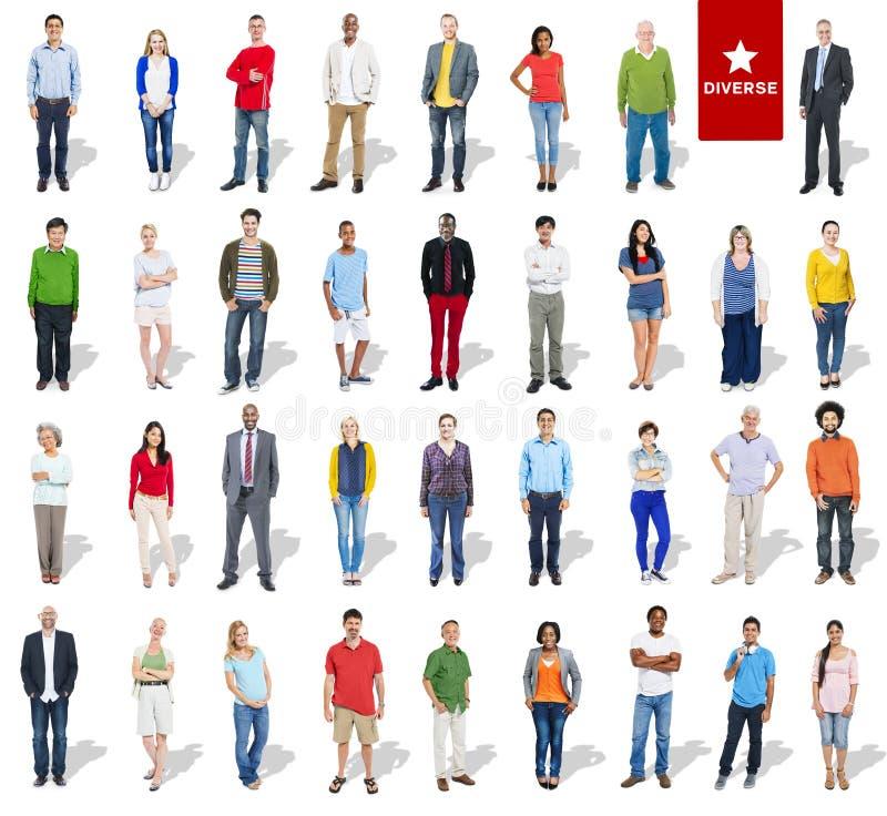 Grupo de personas Multi-étnico diverso en fila ilustración del vector