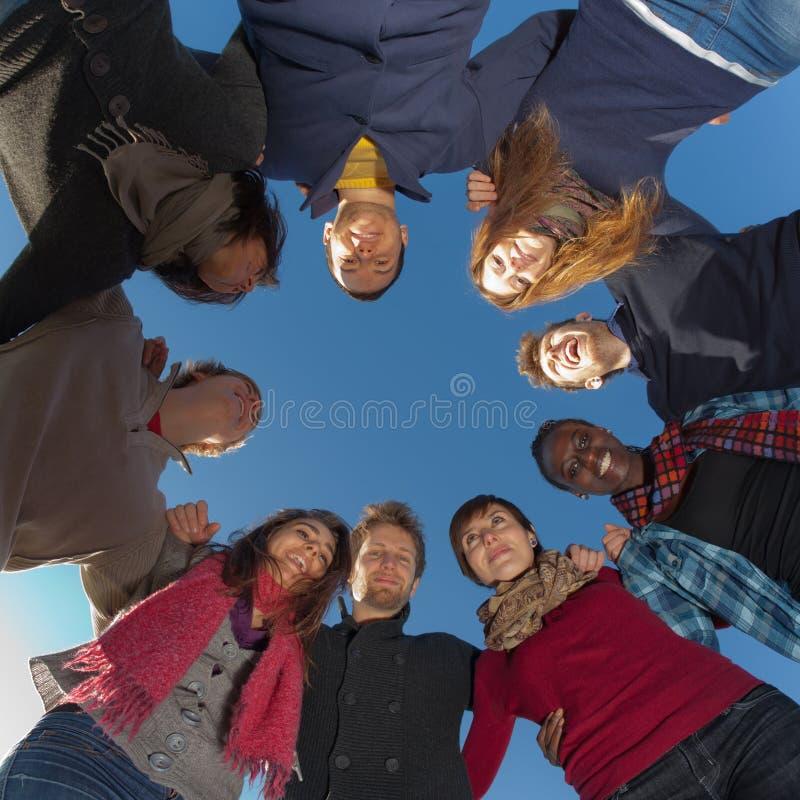 Grupo de pessoas no círculo imagens de stock royalty free