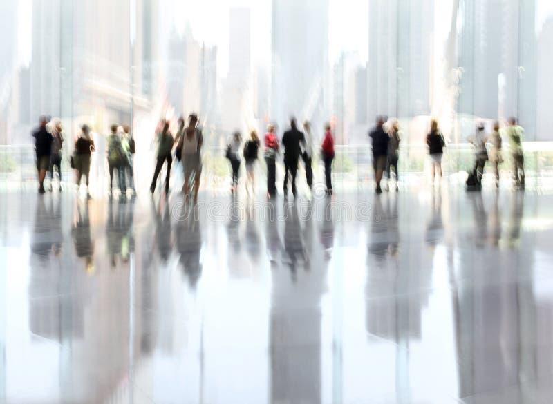 Grupo de pessoas no centro de negócios da entrada fotos de stock