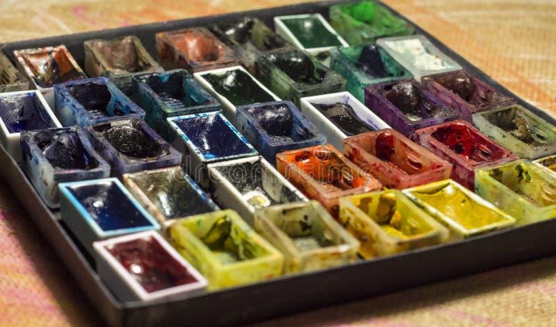 Grupo de pinturas vazias da aquarela para o close up de pintura fotos de stock