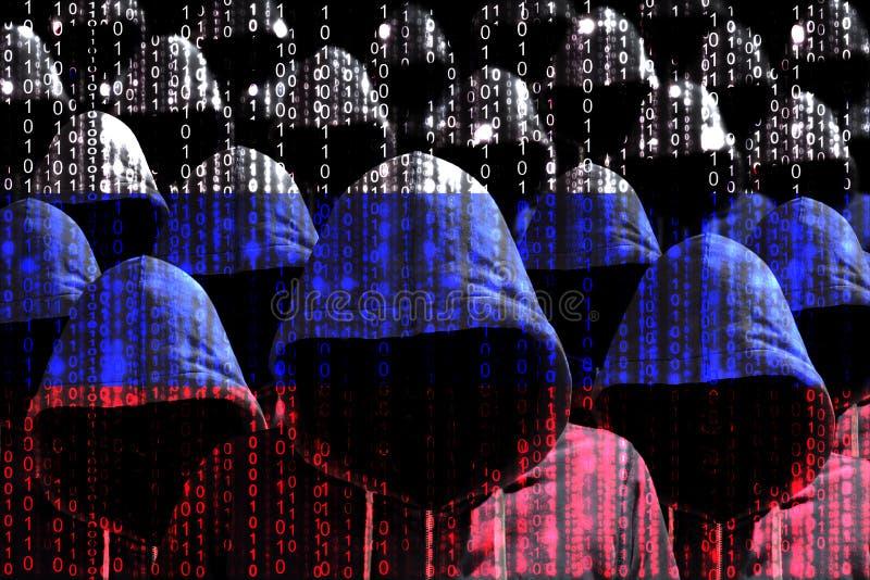Grupo de piratas informáticos encapuchados que brillan a través de una bandera rusa digital