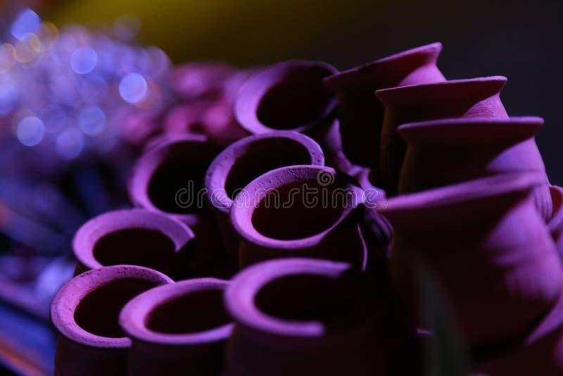Grupo de potes crudos tradicionales del fango de la arcilla imagen de archivo libre de regalías