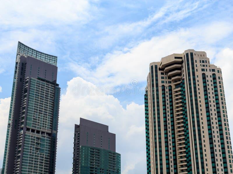 Grupo de prédios de escritórios modernos imagem de stock royalty free