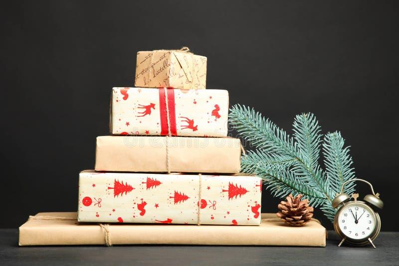 Grupo de presentes diferentes do Natal fotografia de stock royalty free