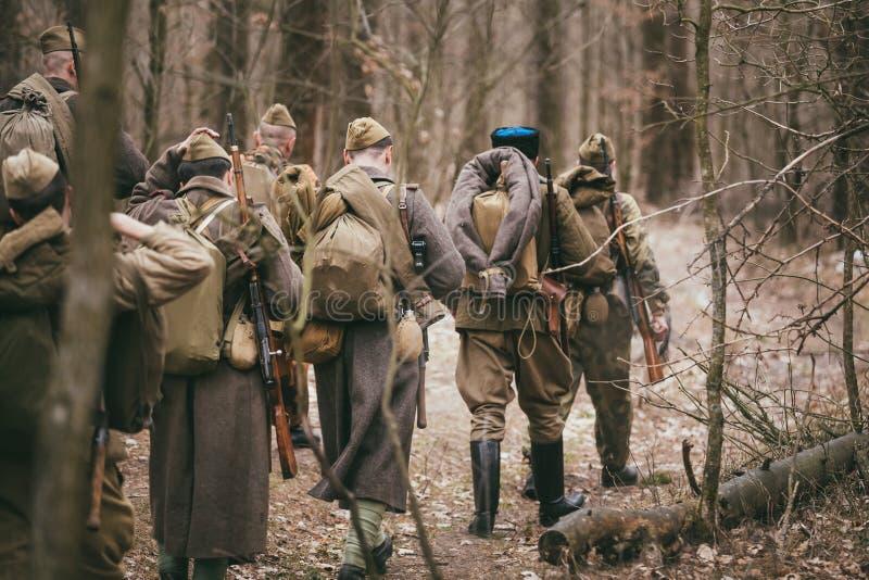 Grupo de re-enactors não identificado vestido como fotos de stock royalty free