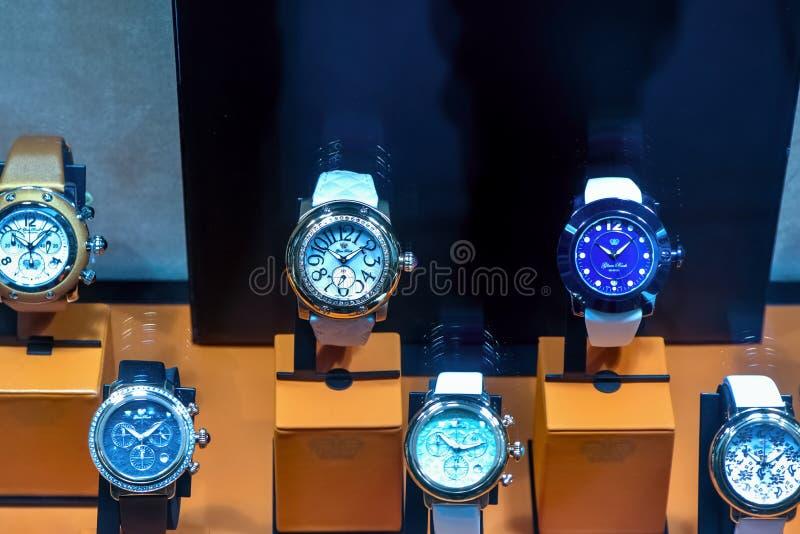 Grupo de relógios luxuosos imagem de stock