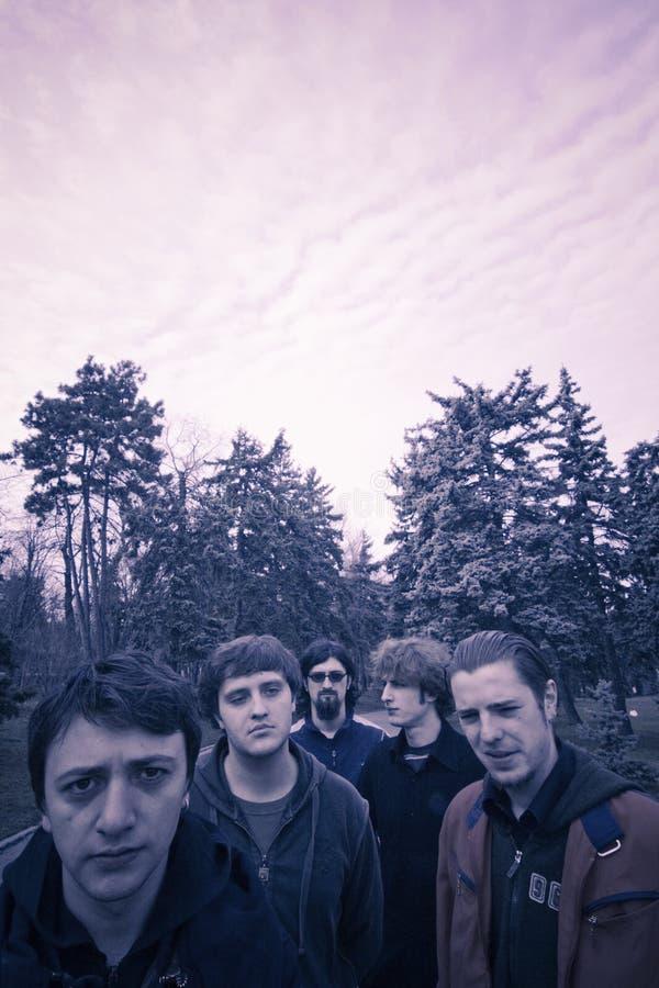 Grupo de rock alternativo   foto de stock