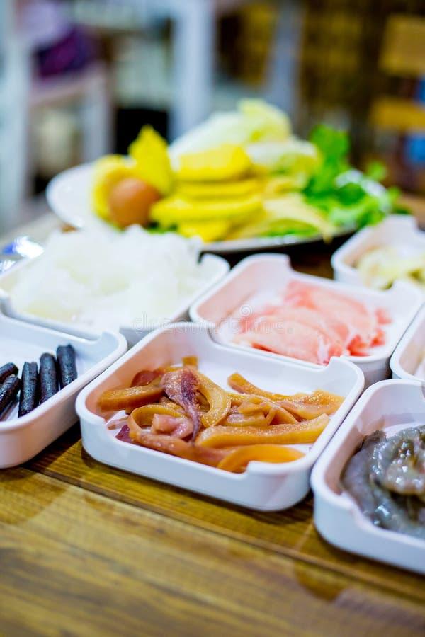 Grupo de Shabu dos alimentos frescos imagens de stock royalty free