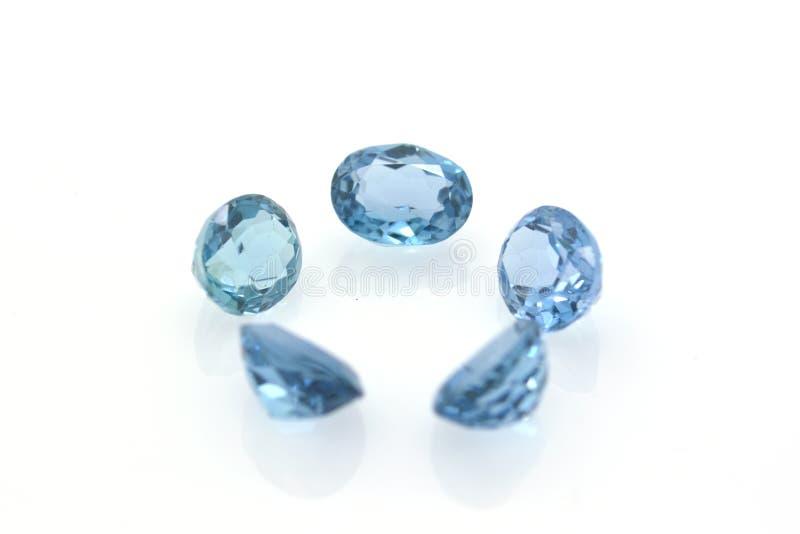 Grupo de topacio azul hermoso y brillante de Londres Gemas y joyas preciosas foto de archivo
